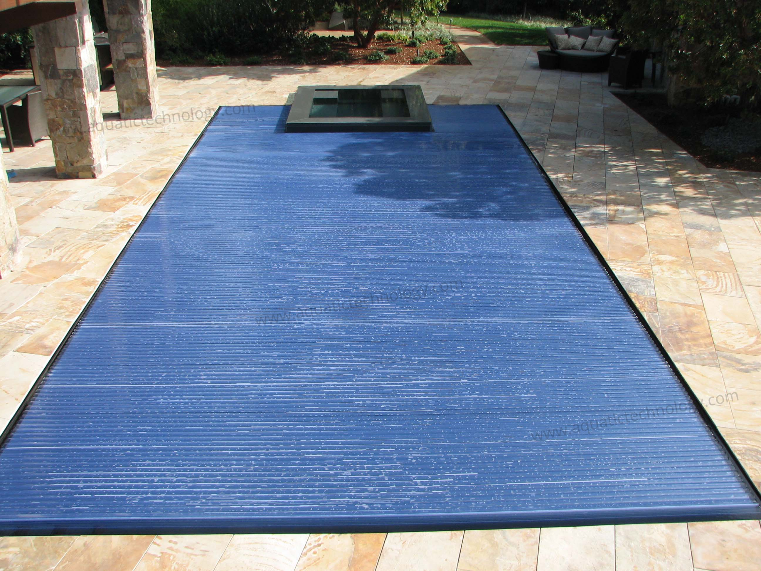 Aquamatic Hydrolux floating automatic pool cover
