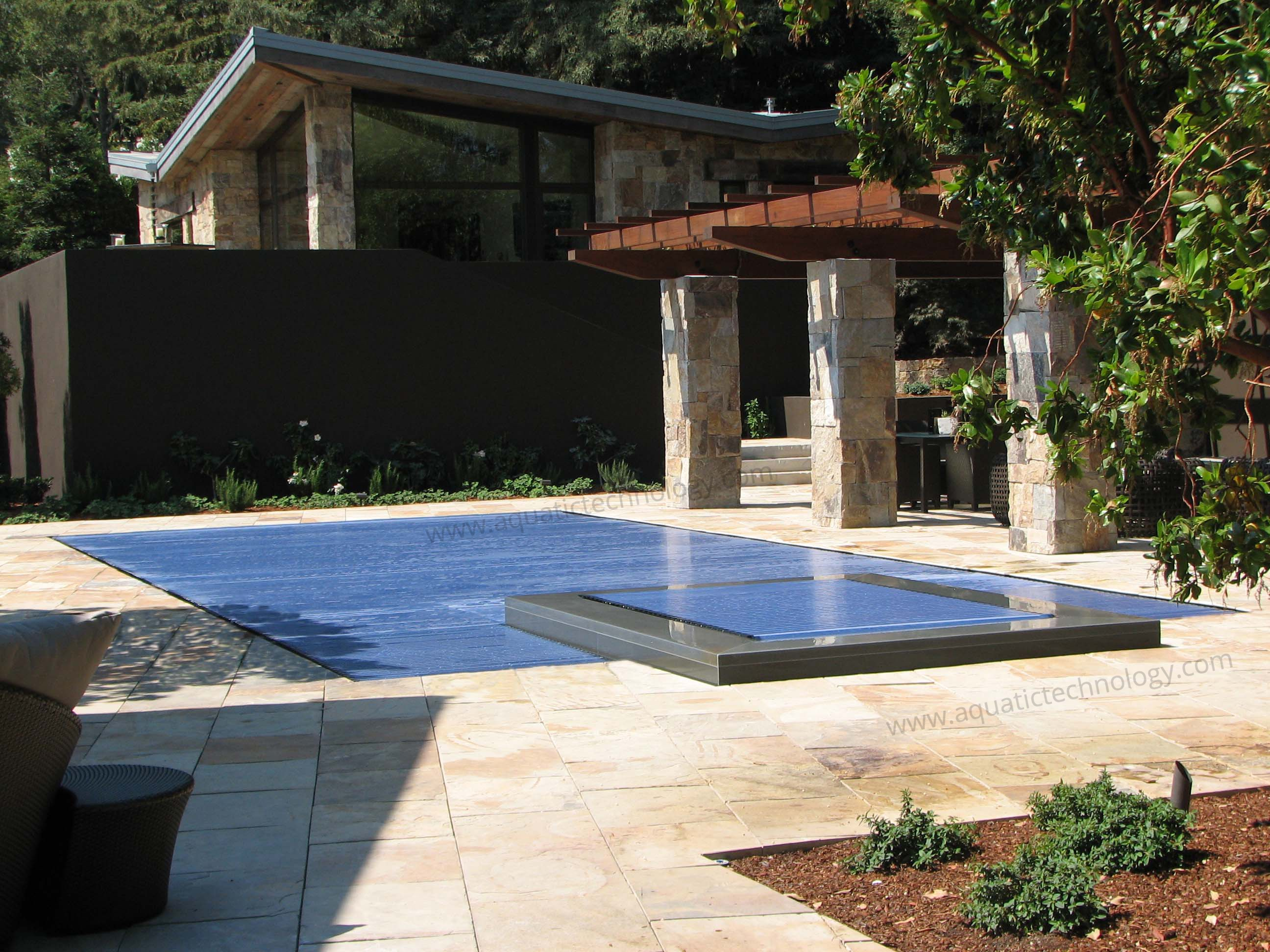 Floating slat pool spa cover