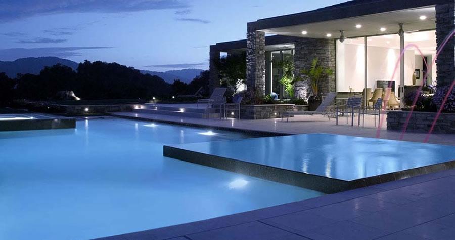 Luxury Vanishing Edge Pool